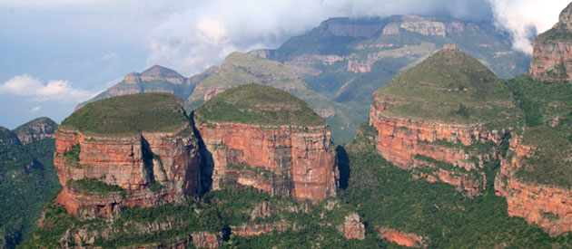 Drakensberg Diaries: The Drakensberg Boys' Choir in South Africa